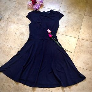Black bouncy dress